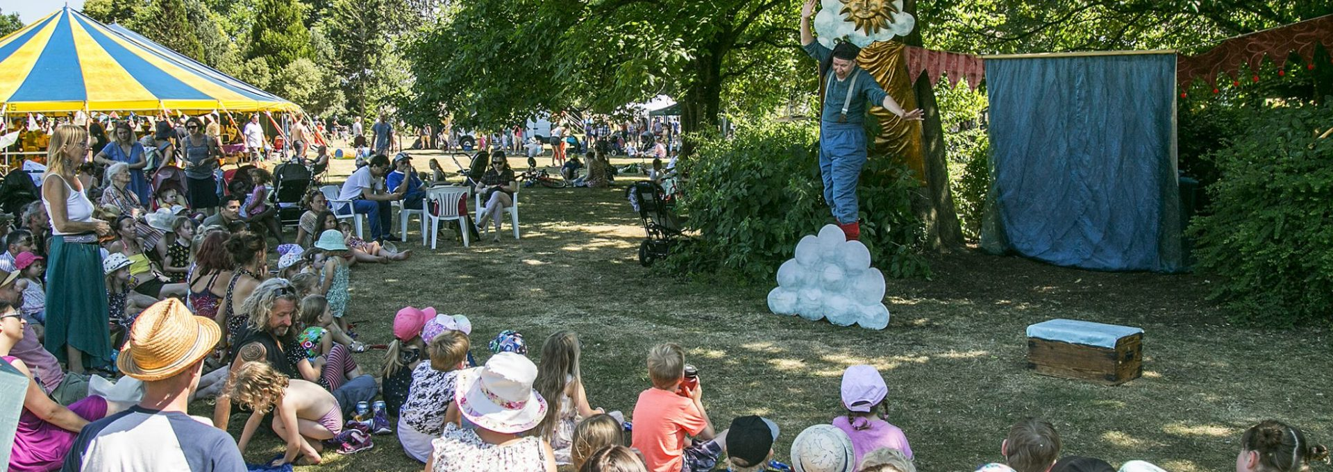 Photo of outside performer at Frome Children's Festival.